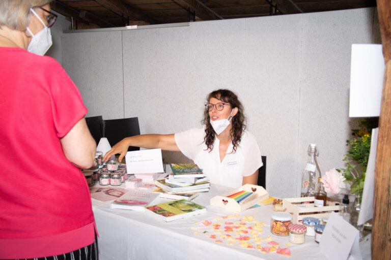 Am Kräuter Kraft Platz mit Andrea Mauthner