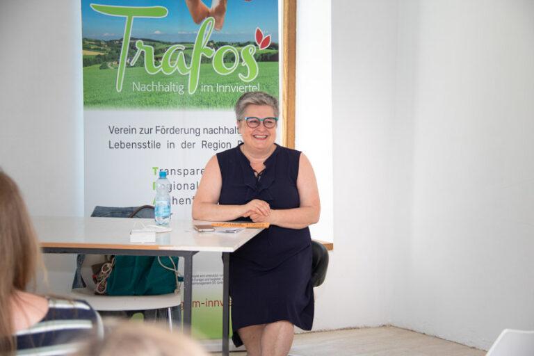 Auch Goldmarie und Pechmarie geben Beispiel für unsere Geschäfte, erzählt Lieselotte Reim